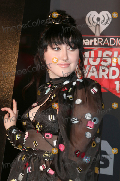 Noah Cyrus Photo - LOS ANGELES - MAR 5:  Noah Cyrus at the 2017 iHeart Music Awards at Forum on March 5, 2017 in Los Angeles, CA