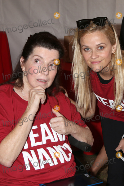 Reese Witherspoon, Nanci Ryder Photo - LOS ANGELES - OCT 16:  Nanci Ryder, Reese Witherspoon at the ALS Association Golden West Chapter Los Angeles County Walk To Defeat ALS at the Exposition Park on October 16, 2016 in Los Angeles, CA