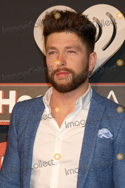 Chris Lane Photo - LOS ANGELES - MAR 5:  Chris Lane at the 2017 iHeart Music Awards at Forum on March 5, 2017 in Los Angeles, CA