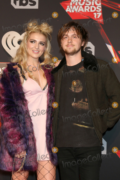 Photo - LOS ANGELES - MAR 5:  Rydel Lynch, Ellington Ratliff at the 2017 iHeart Music Awards at Forum on March 5, 2017 in Los Angeles, CA
