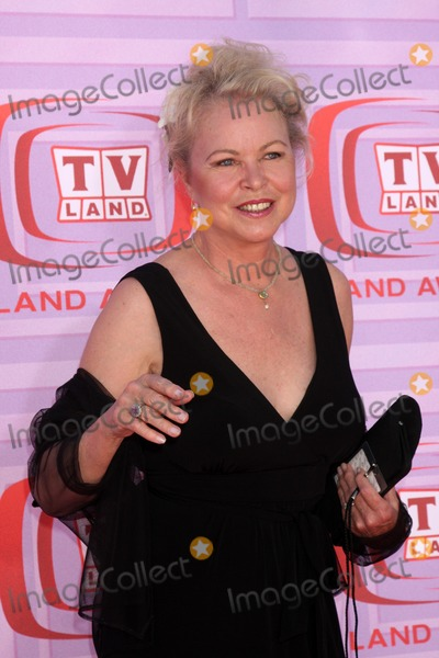 Michelle Phillips, Michele Phillips Photo - Michelle Phillips arriving at the TV Land Awards at the Gibson Ampitheater at University City,  California on April 19, 2009