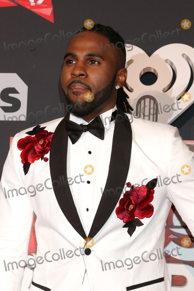 Photo - LOS ANGELES - MAR 5:  Jason Derulo at the 2017 iHeart Music Awards at Forum on March 5, 2017 in Los Angeles, CA