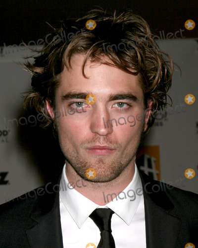 Robert Pattinson Photo - Robert Pattinson arriving to the Hollywood Film Festival Awards Gala at the Beverly Hilton Hotel in Beverly Hills, CA  on