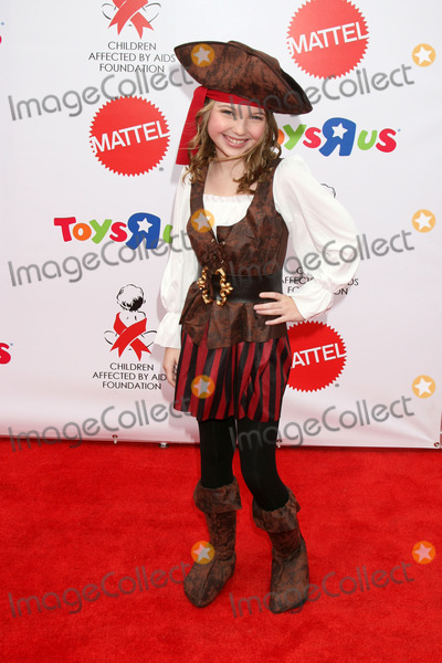 Sammi Hanratty Photo - Sammi Hanratty