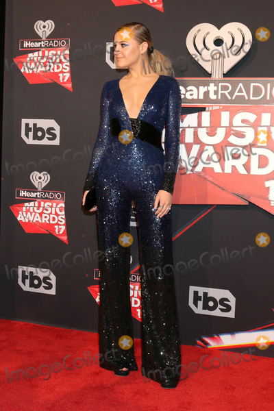 Kelsea Ballerini Photo - LOS ANGELES - MAR 5:  Kelsea Ballerini at the 2017 iHeart Music Awards at Forum on March 5, 2017 in Los Angeles, CA