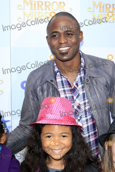 "Wayne Brady Photo - LOS ANGELES - MAR 17:  Wayne Brady at the ""Mirror, Mirror"" Premiere at the Graumans Chinese Theater on March 17, 2012 in Los Angeles, CA"