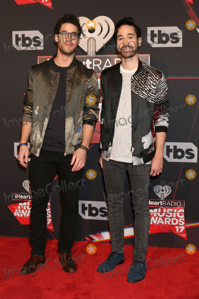 Photo - LOS ANGELES - MAR 5:  Darren Criss, Chuck Criss at the 2017 iHeart Music Awards at Forum on March 5, 2017 in Los Angeles, CA