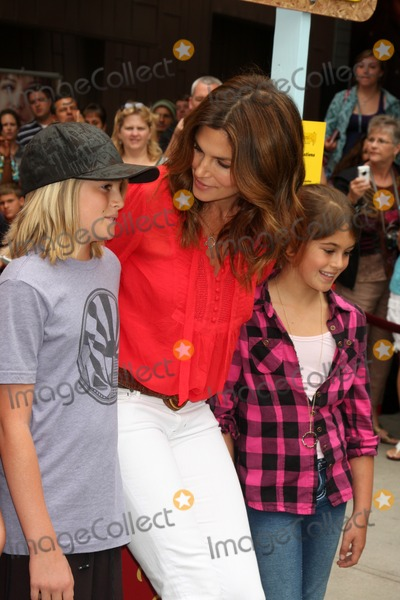 Cindy Crawford, Presley Gerber, Kaya Gerber Photo - Presley Gerber, Cindy Crawford,  And Kaya Gerber