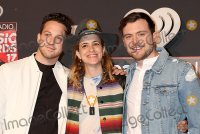 Photo - LOS ANGELES - MAR 5:  Pete Nappi, Samantha Ronson, Ethan Thompson, Ocean Park Standoff at the 2017 iHeart Music Awards at Forum on March 5, 2017 in Los Angeles, CA