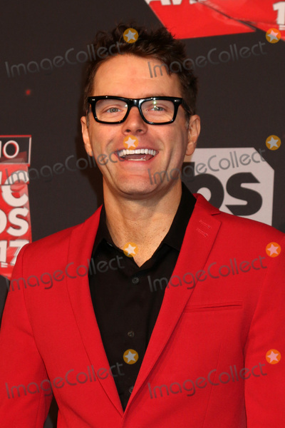 Bobby Bones Photo - LOS ANGELES - MAR 5:  Bobby Bones at the 2017 iHeart Music Awards at Forum on March 5, 2017 in Los Angeles, CA