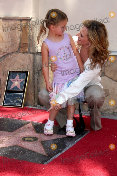Marlee Matlin Photo - Marlee Matlin & daughter  Isabelle  attending the Hollywood Walk of Fame Ceremony for Marlee Matlin on Hollywood Boulevard in Los Angeles, CA  on May 6, 2009