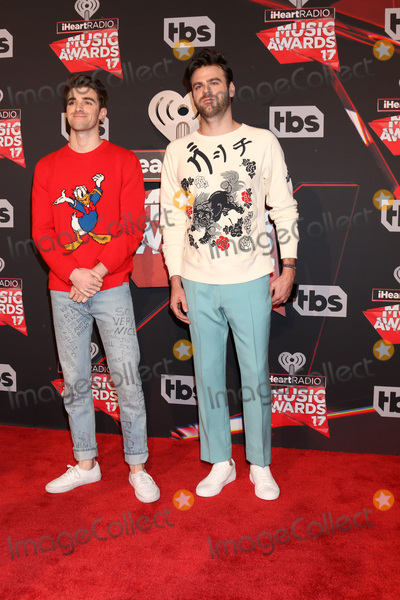 The Chainsmokers Photo - LOS ANGELES - MAR 5:  The Chainsmokers, Andrew Taggart, Alex Pall at the 2017 iHeart Music Awards at Forum on March 5, 2017 in Los Angeles, CA