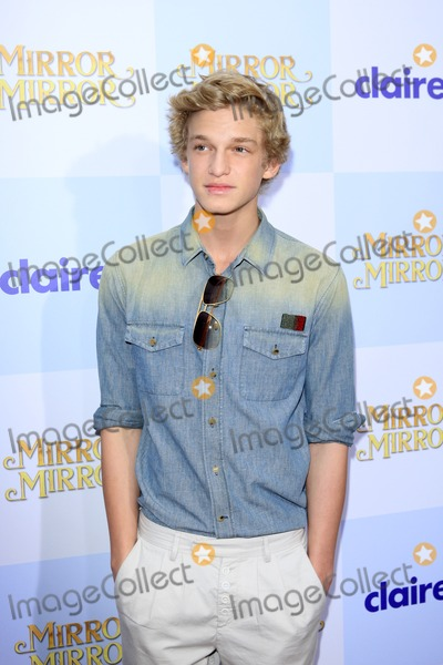 "Cody Simpson Photo - LOS ANGELES - MAR 17:  Cody Simpson at the ""Mirror, Mirror"" Premiere at the Graumans Chinese Theater on March 17, 2012 in Los Angeles, CA"