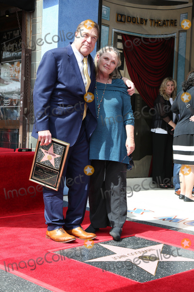 Photo - LOS ANGELES - MAR 10:  John Goodman, Tess Harper at the John Goodman Walk of Fame Star Ceremony on the Hollywood Walk of Fame on March 10, 2017 in Los Angeles, CA