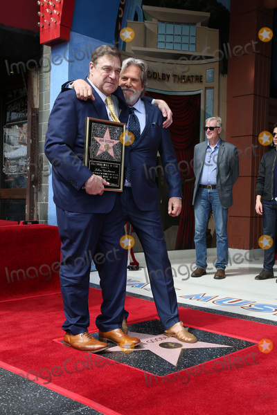 Photo - LOS ANGELES - MAR 10:  John Goodman, Jeff Bridges at the John Goodman Walk of Fame Star Ceremony on the Hollywood Walk of Fame on March 10, 2017 in Los Angeles, CA
