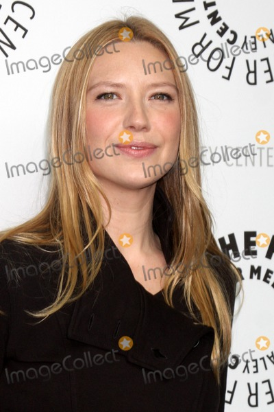 Anna Torv Photo - Anna Torv arriving at the Fringe  PaleyFest09 event on April 23 ,2009 at the ArcLight Theaters in Los Angeles, California.
