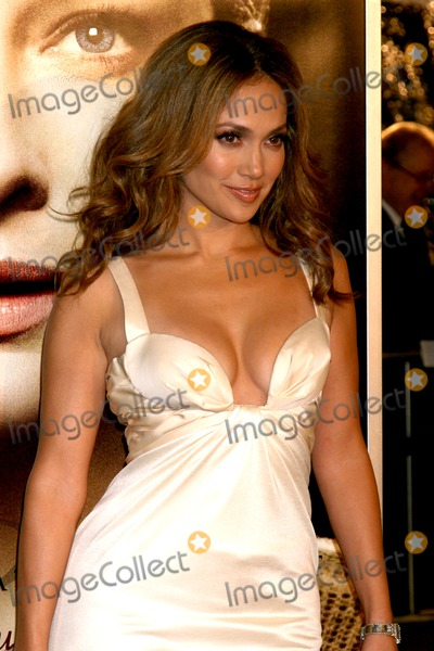 "Jennifer Lopez, JENNIFER LOPEZ, Photo - Jennifer Lopez arriving at the LA  Premiere of ""The Curious Case of Benjamin Button"" at the Mann's Village Theater in Westwood, CA 