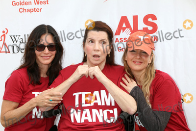 Courteney Cox, Renee Zellweger, Rene Zellweger, Nanci Ryder Photo - LOS ANGELES - OCT 16:  Courteney Cox, Nanci Ryder, Renee Zellweger at the ALS Association Golden West Chapter Los Angeles County Walk To Defeat ALS at the Exposition Park on October 16, 2016 in Los Angeles, CA