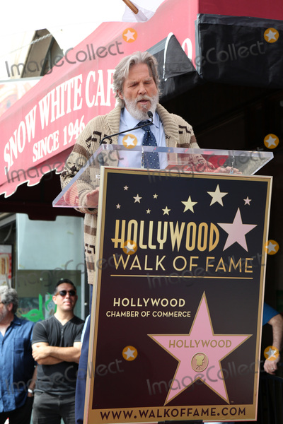 Photo - LOS ANGELES - MAR 10:  Jeff Bridges at the John Goodman Walk of Fame Star Ceremony on the Hollywood Walk of Fame on March 10, 2017 in Los Angeles, CA
