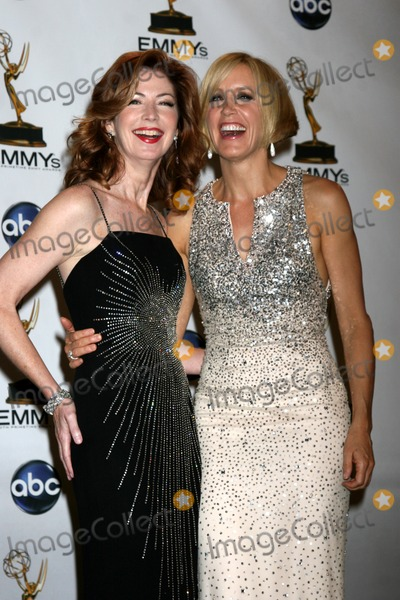 Dana Delany, Felicity Huffman Photo - Dana Delany & Felicity Huffman