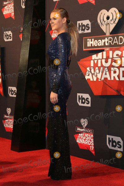 Kelsea Ballerini Photo - LOS ANGELES - MAR 5:  Kelsea Ballerini at the 2017 iHeart Music Awards at Forum on March 5, 2017 in Los Angeles, CA