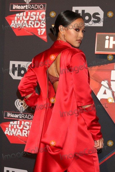 Karrueche Tran Photo - LOS ANGELES - MAR 5:  Karrueche Tran at the 2017 iHeart Music Awards at Forum on March 5, 2017 in Los Angeles, CA