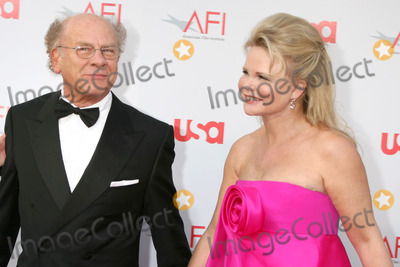 Art Garfunkel, Warren Beatty Photo - Art Garfunkel & wife  arrive at the AFI Salute to Warren Beatty at the Kodak Theater in Los Angeles, CA