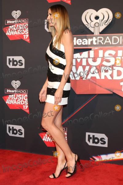 Heidi Klum Photo - LOS ANGELES - MAR 5:  Heidi Klum at the 2017 iHeart Music Awards at Forum on March 5, 2017 in Los Angeles, CA