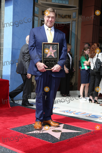 Photo - LOS ANGELES - MAR 10:  John Goodman at the John Goodman Walk of Fame Star Ceremony on the Hollywood Walk of Fame on March 10, 2017 in Los Angeles, CA