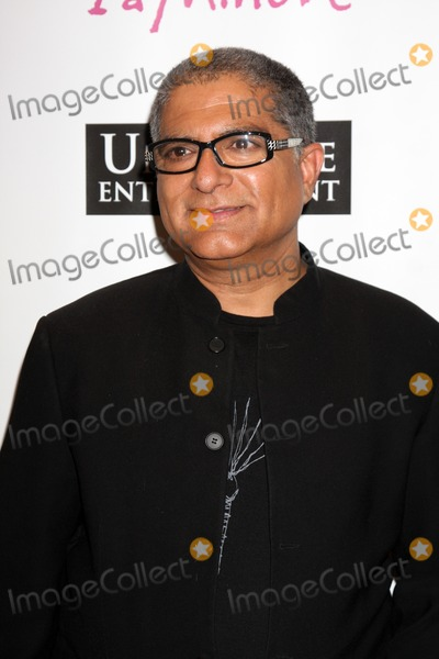 "Deepak Chopra Photo - LOS ANGELES - OCT 6:  Dr. Deepak Chopra arrives at the ""1 a Minute"" Live Event at Woodbury University on October 6, 2010 in Burbank, CA"