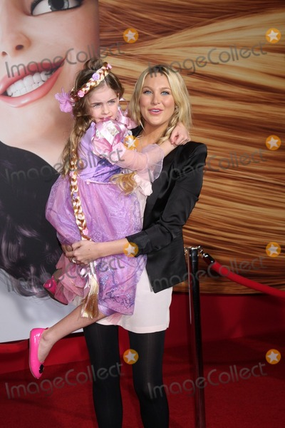 "Stephanie Pratt Photo - LOS ANGELES - NOV 14:  Stephanie Pratt & Niece Anna arrives at the ""Tangled"" World Premiere at El Capitan Theater on November 14, 2010 in Los Angeles, CA"
