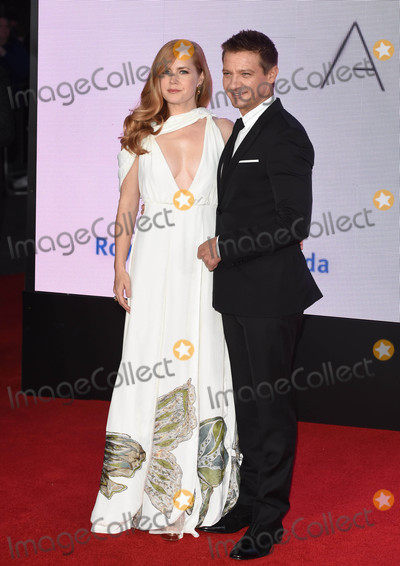 Amy Adams, Jeremy Renner Photo - Photo by: KGC-03/starmaxinc.comSTAR MAX2016ALL RIGHTS RESERVEDTelephone/Fax: (212) 995-119610/10/16Amy Adams and Jeremy Renner at the premiere of 'Arrival'.(London, England)