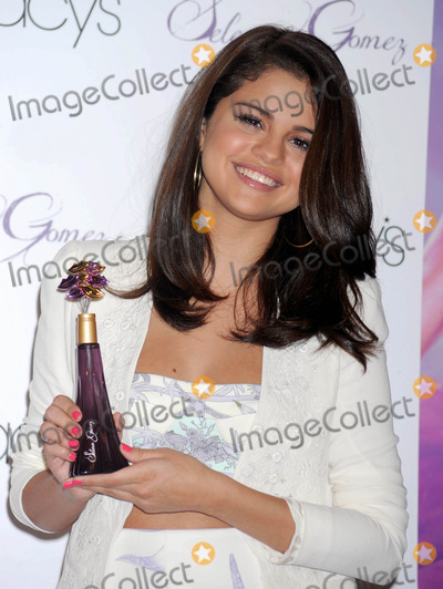 Gomez, Selena Gomez Photo - Photo by: Dennis Van Tine/starmaxinc.com