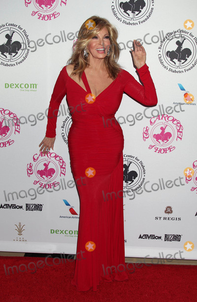 Raquel Welch Photo - Photo by: RE/Westcom/starmaxinc.com