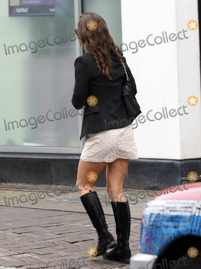Kate Middleton, Pippa Middleton Photo - Birthday girl Pippa Middleton, sister of Kate Middleton, wears a white patterned dress, black jacket and knee-high boots while out and about in Kensington. Pippa, who turns 28 years old today, grabbed a coffee and brought along an umbrella on a rainy day. London, UK. 6th September 2011.