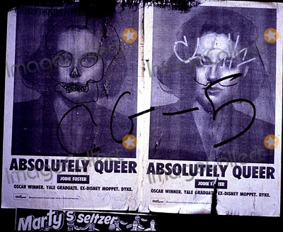 Jodie Foster, Jodi Foster, Jody Foster Photo - Jodie Foster Absolutely Queer Poster with Grafitti in New York City Photo By:henry Mcgee/Globe Photos, Inc