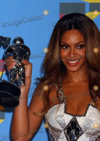 Beyonce Photo - Press Room arrivals for the 2006 MTV Video Music awards 2006 at the Radio City Music Hall.