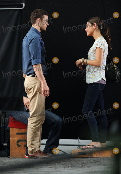 Justin Timberlake, Mila Kunis Photo - Actors Justin Timberlake and Mila Kunis on the Central Park set of the new movie 'Friends with Benefits' on July 20 2010 in New York City