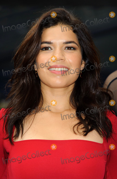 America Ferrera Photo - America Ferrera at the photocall for Chicago at the Garrick Theatre on October 31 2011 in London