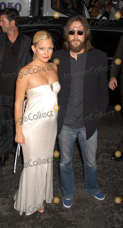 Chris Robinson, Kate Hudson Photo - New York Premiere of Le Divorce. Pictured: very pregnant Kate Hudson and her husband Chris Robinson. New York, August 5, 2003.