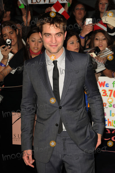 Robert Pattinson Photo - Actor Robert Pattinson arriving at the Premiere of 'The Twilight Saga: Breaking Dawn - Part 1' at Nokia Theatre L.A. Live on November 14, 2011 in Los Angeles, California.