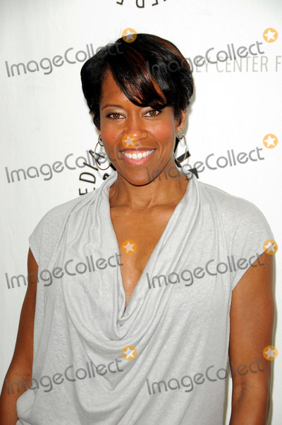 Regina King Photo - Regina King arriving at The Paley Center for Media's Evening with 'Southland' at The Paley Center for Media on May 31, 2011 in Beverly Hills, California.
