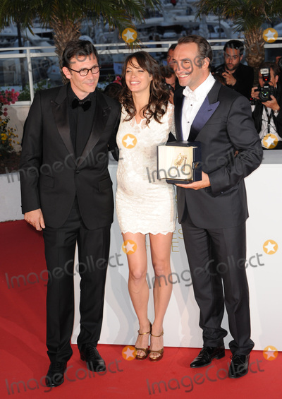 Berenice Bejo, Jean Dujardin, Michel Hazanavicius Photo - Jean Dujardin - winner of the Best Actor Award - with Berenice Bejo & director Michel Hazanavicius (left)  at the 64th Festival de Cannes.