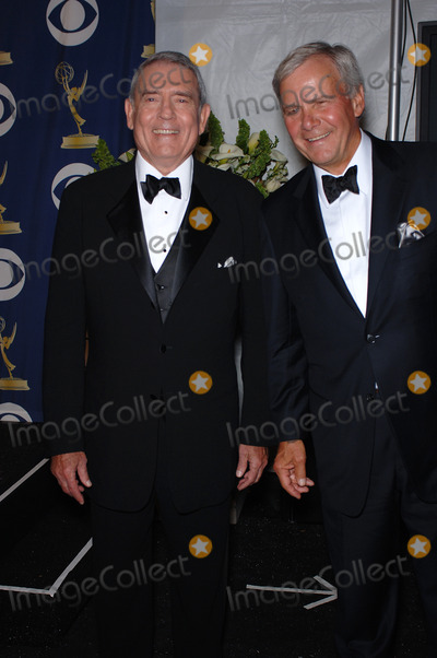 Dan Rather, Tom Brokaw Photo - News anchors DAN RATHER (left) & TOM BROKAW at the 57th Annual Primetime Emmy Awards in Los Angeles.