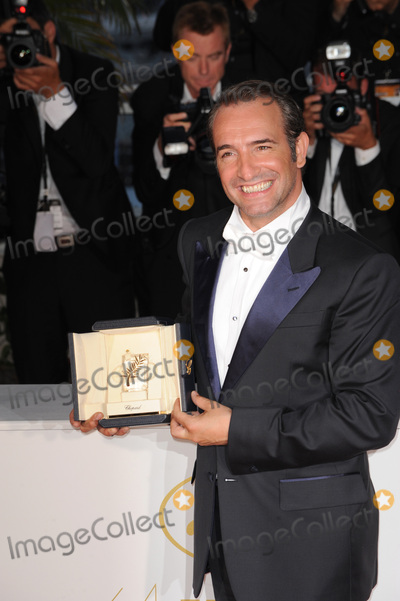 Jean Dujardin Photo - Jean Dujardin - winner of the Best Actor Award  at the 64th Festival de Cannes.