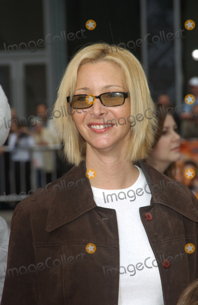 Lisa Kudrow Photo - Actress LISA KUDROW at the world premiere, in Hollywood, of Looney Tunes Back in Action.