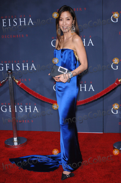 Michelle Yeoh Photo - Actress MICHELLE YEOH at the Los Angeles premiere of her new movie Memoirs of a Geisha.