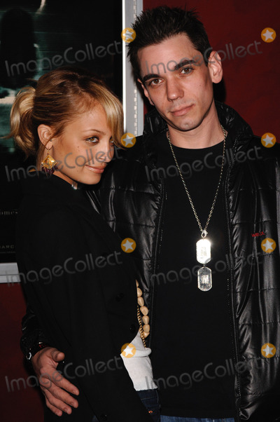Adam Goldstein, Nicole Richie Photo - NICOLE RICHIE & boyfriend ADAM GOLDSTEIN at a VIP screening for The Ring Two.