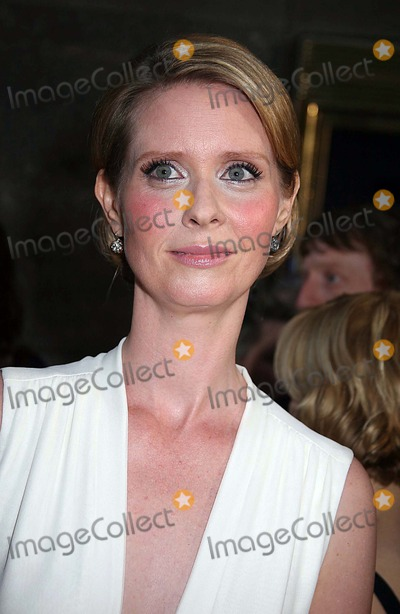 "Cynthia Nixon Photo - 1 60th Annual Tony Awards "" Arrivals "" at Radio City Music Hall , New York City. 06-11-2006 Photo: Sonia Moskowitz / Globe Photos Inc 2006 Cynthia Nixon"