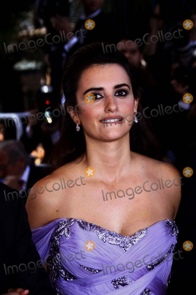 "Penelope Cruz, Penelope  Cruz Photo - ""Broken Embraces"" (Los Abrazos Rotos) Premiere at the 2009 Cannes Film Festival at Palais Des Festival Cannes, France 05-19-2009 Photo by Alec Michael-Globe Photos, Inc. 2009 Penelope Cruz"